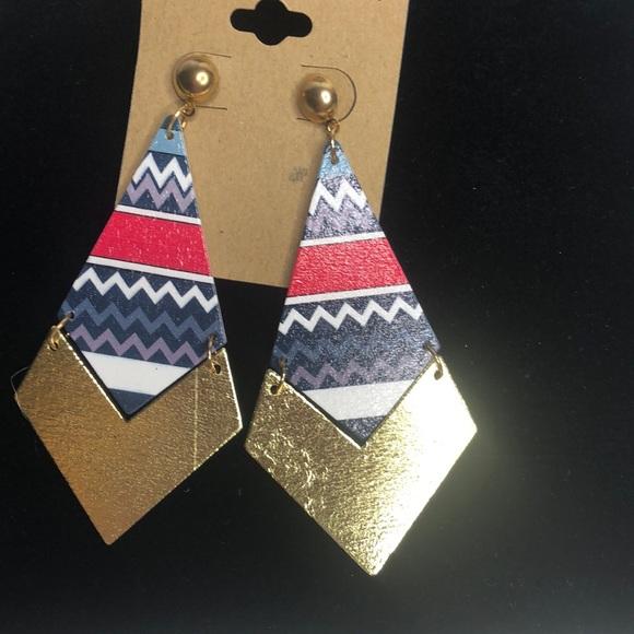 Jewelry - New Chevron earrings 5/$20❤️